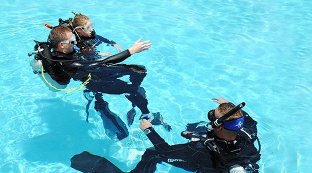 imagem-destacada-veja-o-calendario-de-cursos-de-mergulho-da-onda-azul-para-a-temporada-de-verao